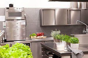 Großküchen vorschriften richtlinien nachlesen bei der gastro academy